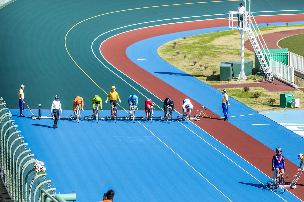 Track-bike aces at the Tachikawa Velodrome