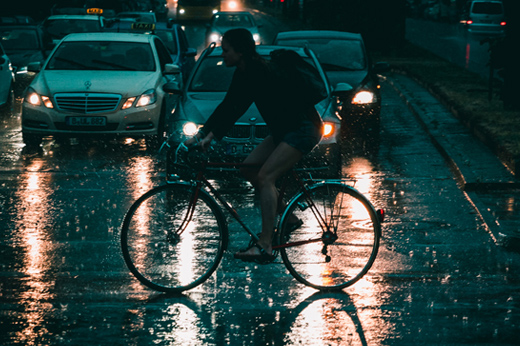 Cyclists in the rain – Markus Remscheid